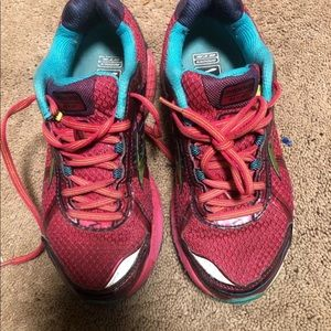 Brooks Adrenaline GTS 15 Womens Size 8.5 Shoes